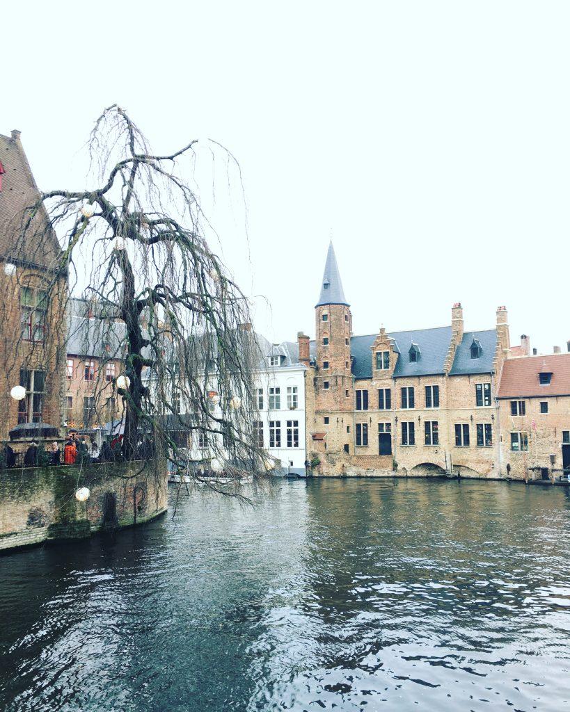 Detalles de los canales de Brujas