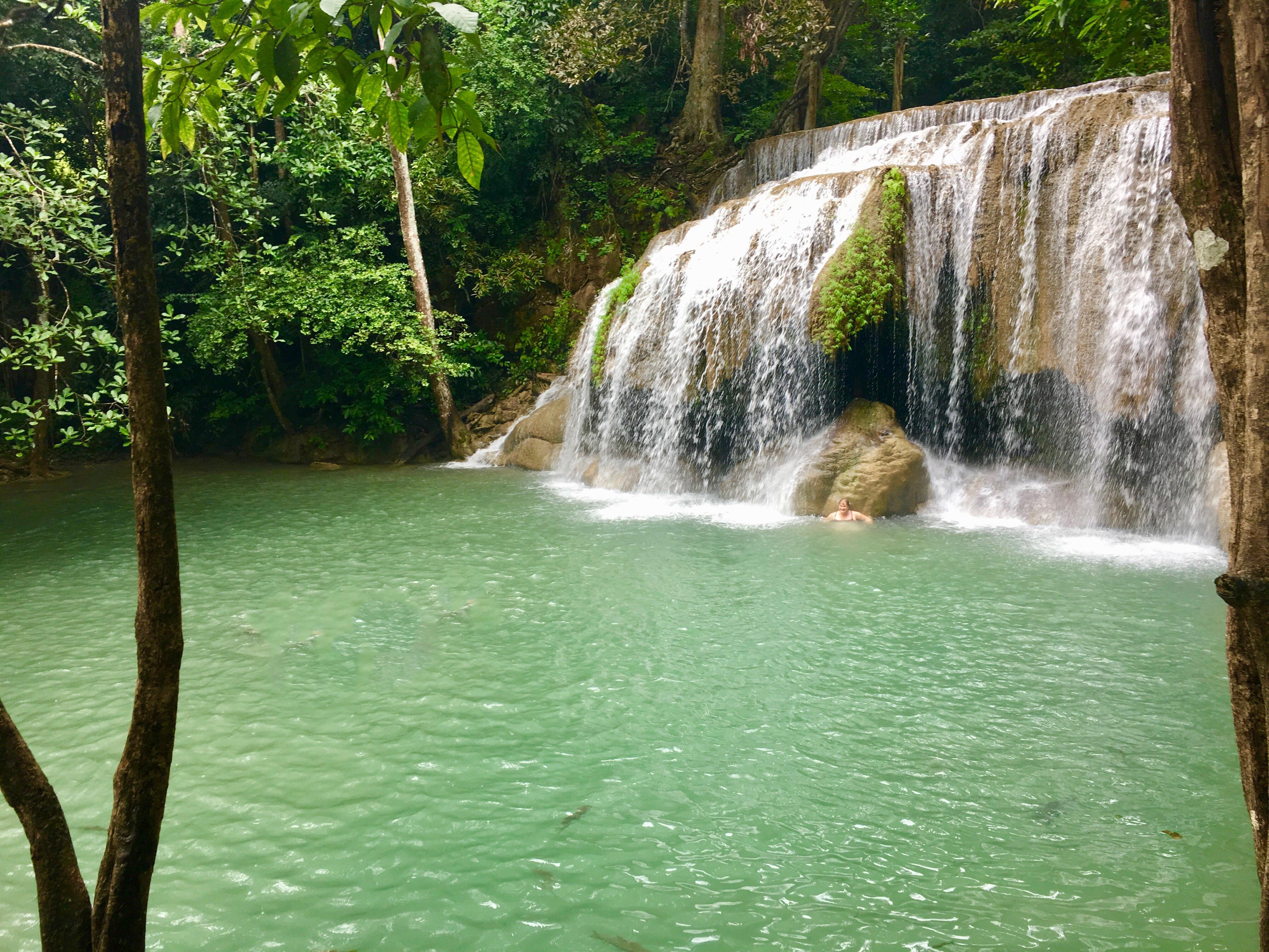 Kanchanaburi y las cascadas de Erawan.